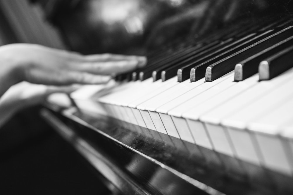 Как увлечь ребёнка игрой на фортепиано