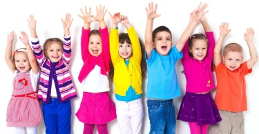 Зачем ребенку общаться с другими детьми