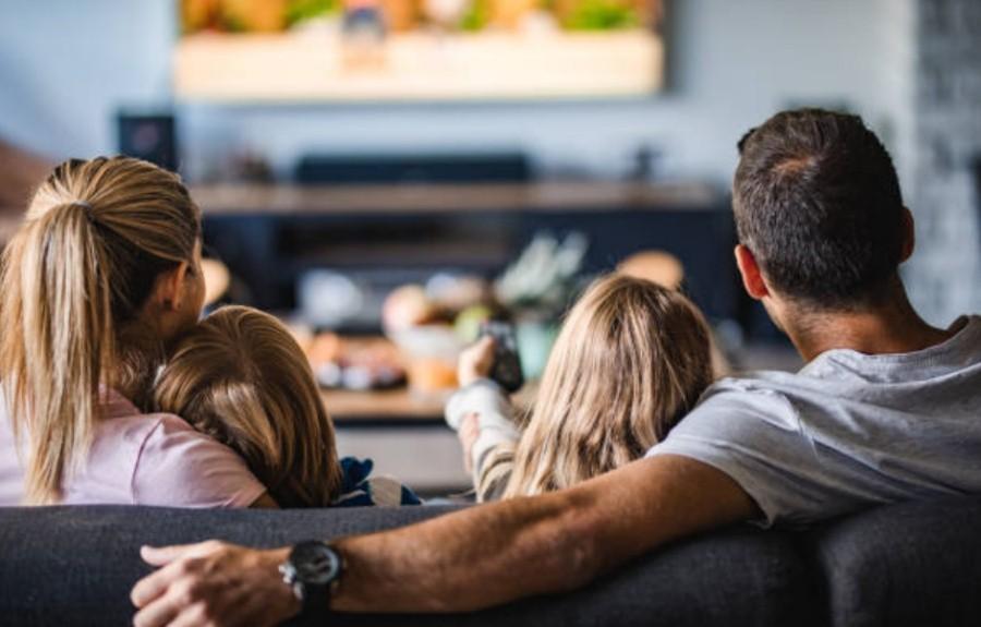 Сколько можно смотреть ребенку телевизор