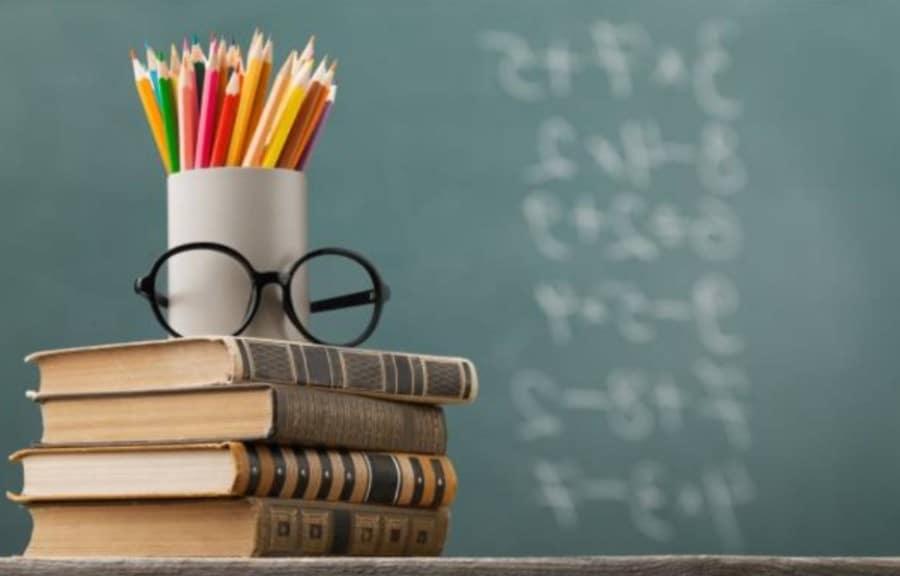 Нужно ли родителям платить ребенку за хорошие оценки?