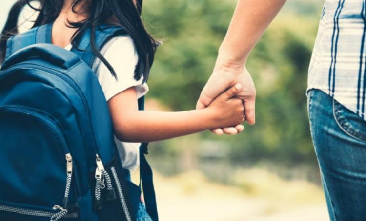 платить ребенку за хорошие оценки
